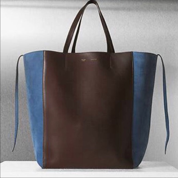 ae2d09ce6f Celine Handbags - Celine large tote phantom cabas